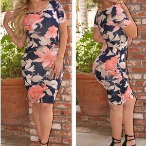 Dresses & Skirts - Flower print dress